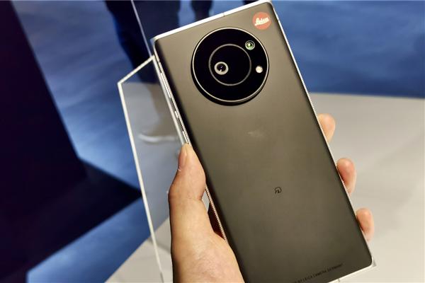 徕卡Leitz Phone 1真机图曝光:将于7月正式开售